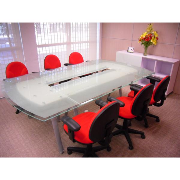 Mesa de juntas modular cubierta cristal haken for Muebles de oficina haken